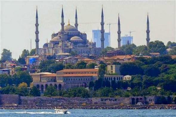 Κωνσταντινούπολη-Δικαστήριο αποφάσισε να γκρεμιστούν ουρανοξύστες.