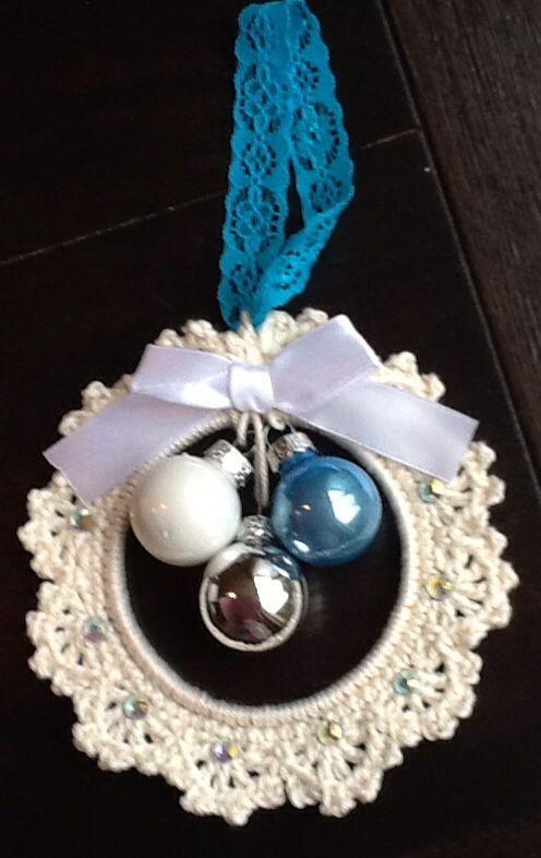 Kersthanger, blauw wit, gemaakt door Monique van Groningen