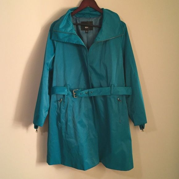 Women's rain coat size XXL Beautiful turquoise color. Gently used. Bought at target last year. Beautiful inside lining. I'll send you a free scarf that matches. Mossimo Supply Co Jackets & Coats Trench Coats