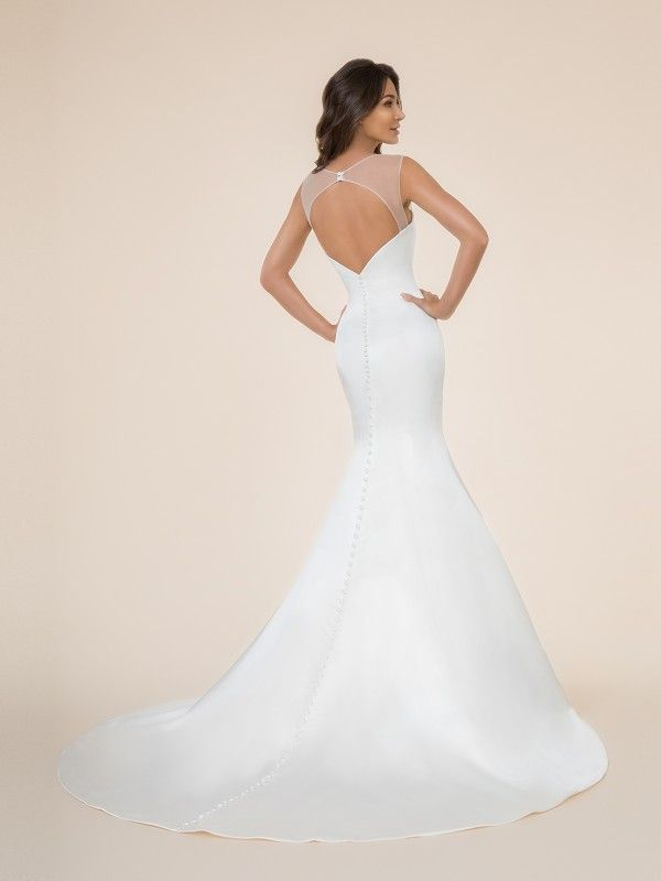 22445e782296 Moonlight Tango T862 will show off your hourglass figure the moment you  slip into it. The mermaid wedding dress has a touch of sexy with its  beautiful ...
