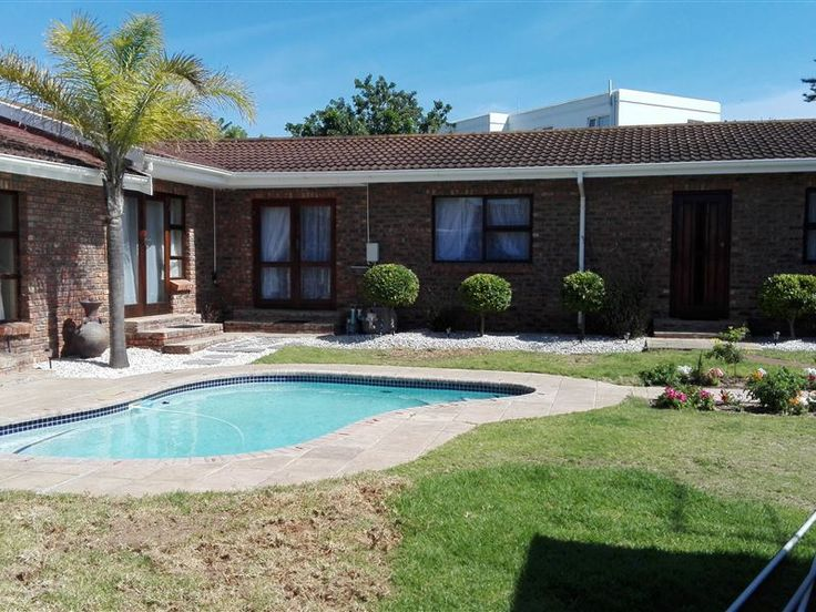 Winchester Guest House - Winchester Guest House is situated in Summerstrand, a charming seaside suburb of Port Elizabeth.The guest house comprises of four rooms, which all feature en-suite bathrooms, DStv, Wi-Fi Internet access, ... #weekendgetaways #portelizabeth #southafrica