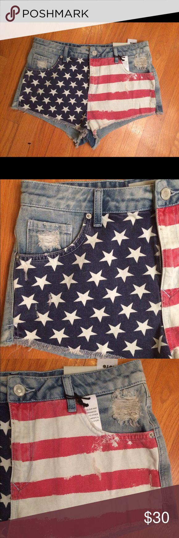 TopShop Moto High waisted Flag denim hot shorts TopShop Moto Brooke High waisted Flag denim hot pants shorts.  Sz 8 Topshop Shorts Jean Shorts
