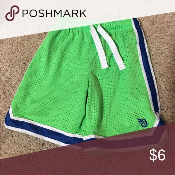 Oshkosh lime green shorts Size 5 with drawstring Osh Kosh Bottoms Shorts