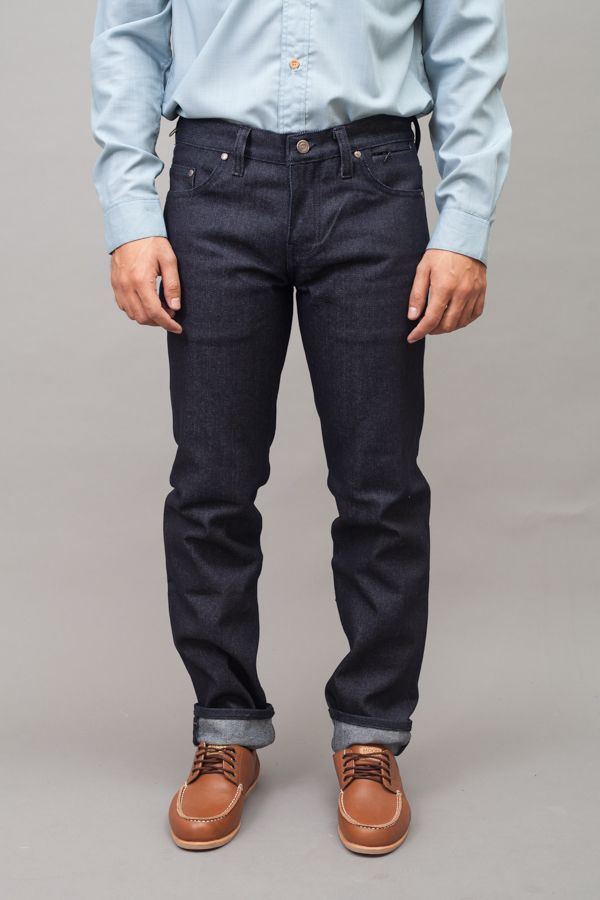 This trouser by Capital Citizen is designed for casual worker who use public transportation in daily basis. http://zocko.it/LEJ70