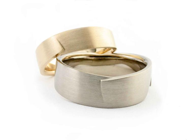 """Weddingrings """"Fold"""" by Vincent van Hees"""