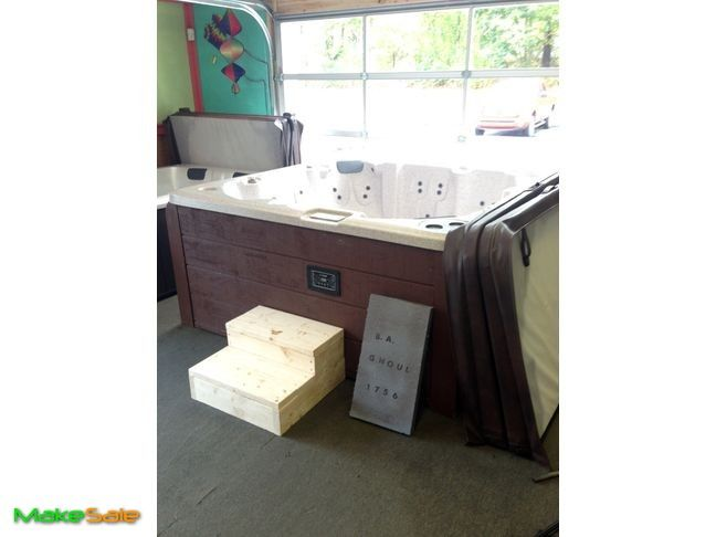 """Honey Spas Series 500 hot tub reconditioned for sale Honey Spas Series 500 Level A 5,500.00 Seats 8 persons color: Sierra Granite 81"""" x 81"""" x 36"""""""" 60 jets 2 ..."""