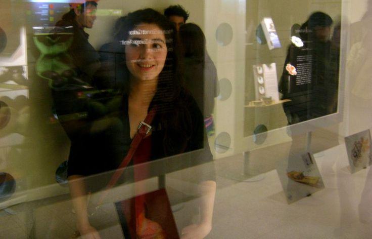 EnVase a Chile – Del 29 de agosto al 4 de octubre de 2009. La muestra presentó los trabajos seleccionados en el concurso del mismo nombre, con el cual el Ministerio de Economía convocó a estudiantes y egresados de escuelas de diseño, a presentar sus propuestas de envases para alimentos. Los trabajos fueron realizados por los representantes de distintas universidades chilenas, patrocinadas por empresas del rubro.