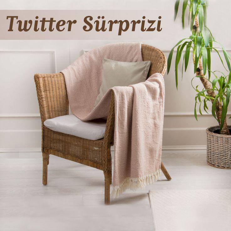 Twitter Sürprizi! Soğuk Havalarda TV keyfinize keyif katacak, sıcacık koltuk şallarından kazanmak için bizi takip et,görseli beğenerek RT'le:) Katılmak için Twitter Sayfamıza bekleriz: goo.gl/CHWyX6