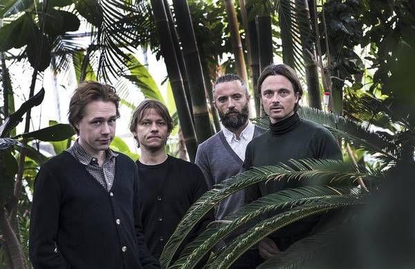 Foto: Mogens Flindt http://ekstrabladet.dk/musik/dkmusiknyt/mew-fans-undrer-sig-foer-roskilde-koncert/5618570