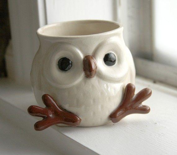 Snow Owl Mug with feet and face SO CUTE van lydiasvintage op Etsy
