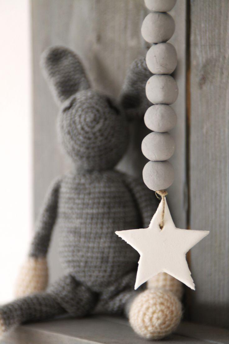 Nieuw! een woonketting-hanger met ster. http://www.tofonline.nl/a-40329937/woonkettingen-en-vlaggetjes/woonketting-met-ster/