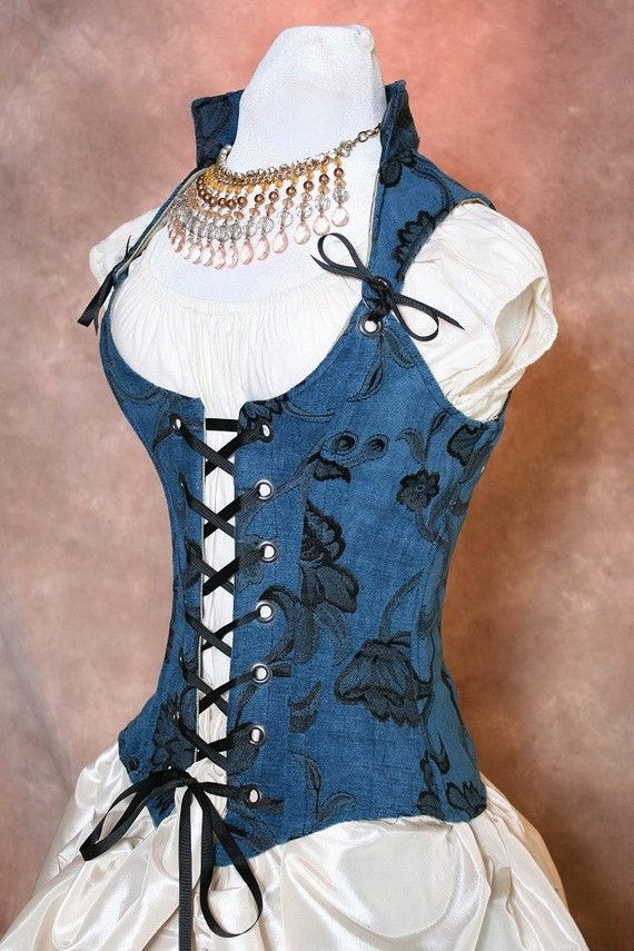 """Another bodice. What can I say? I'm still searching for """"the one""""...                                      #Bodice #Renaissance #Wedding"""