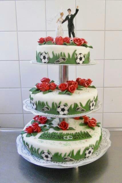 Hochzeitstorte für Fussbalfans