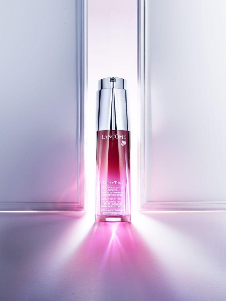 Marek & Associates - Charles Helleu - Cosmetics : Lookbooks - the Technology behind the Talent.