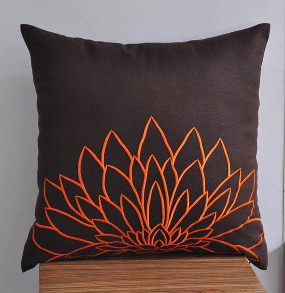 Orange Flower Pillow Cover Embroidered Pillow Dark por KainKain