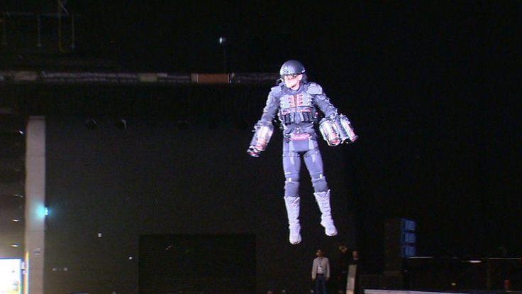 Inventor demonstrates 'Iron Man' flying suit in Glasgow - BBC News http://ift.tt/2rCOSie