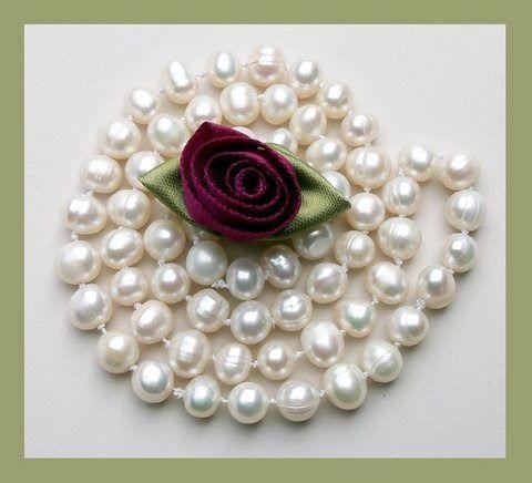 ~*~ En blogg om pärlor, pärlarbete och smyckestillverkning. Fakta, tips, projekt, instruktioner, länkar, inspiration, nyheter och artiklar. ~*~