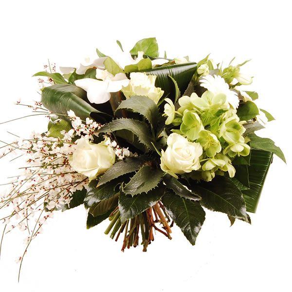 Prachtig wit boeket met een pluim van witte bloemetjes en witte orchidee   Bestaat uit: rozen, helleborus, rozen, orchidee, alstroemeria en div. groensoorten