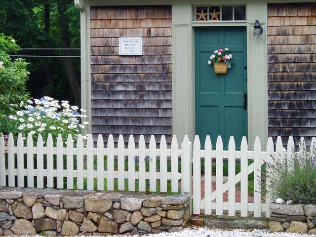 Cape Cod Style Front Door From Woodbury August 2009