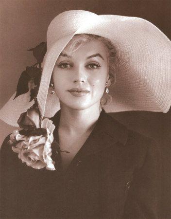 Marilyn MonroeMarilyn Monroe, Straws Hats, Marilynmonroe, White Bedrooms, Norma Jeans, Derby Hats, Floppy Hats, Beautiful People, Kentucky Derby