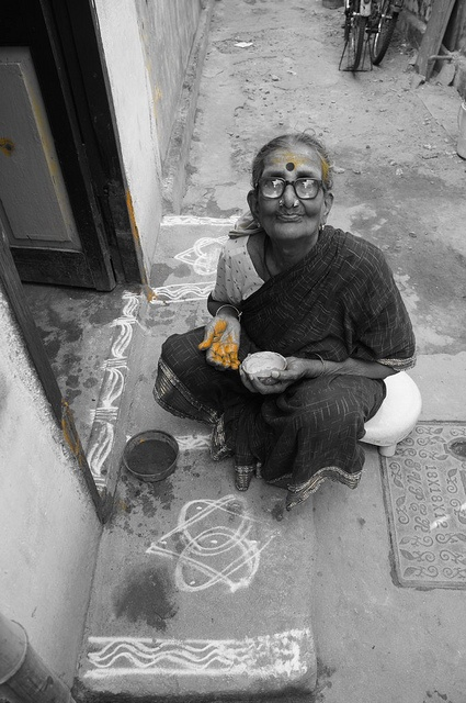Most often it is the simple things in life that are taken for granted.  Some communities in South India paint their doorways with turmeric paste ;  as an insecticide.  The women of South India use turmeric to enhance complexion and make a depilatory cre http://biocurmin.blogspot.com/2013/03/tac-dung-cua-nghe-trong-dieu-tri-viem-hang-vi-da-day.html