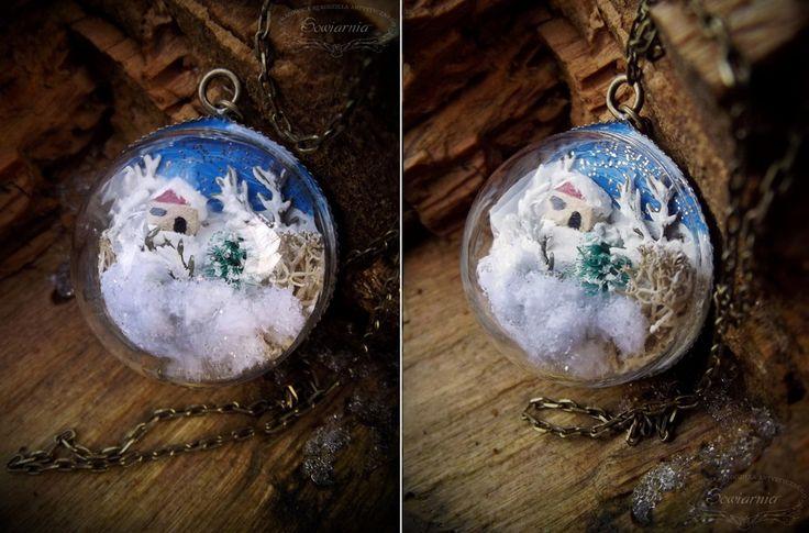 Mini snow globe necklace - winter wonderland