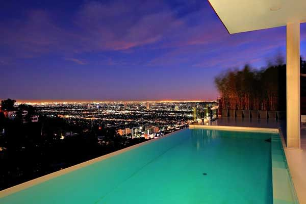 Modern Hollywood Hills Dream Home Overlooking The City