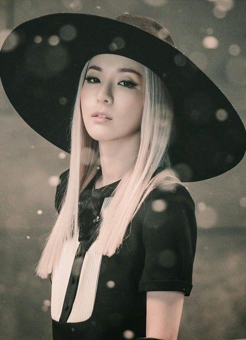She's so beautiful, this hurt ;;;; ♡