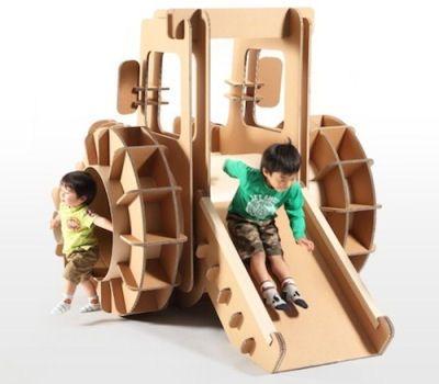 В Японии выпустили необычную детскую мебель из картона  Дизайнеры выбрали самый простой, безопасный и экологически чистый материал.   Для ее изготовления использовался плотный гофрированный картон. Мебель состоит из отдельных частей и напоминает конструктор. К примеру, кровать от Tsuchinoco можно разобрать и из ее деталей собрать обеденный столик или детскую горку http://www.my-baby.ua/