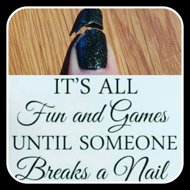 Heb je bij nailsbywendy je nagels laten zetten en heb je de pech dat er toch 1 breekt! Maak dan binnen 2 weken na het zetten van de set een afspraak en ik vervang de nagel zo snel mogelijk en kosteloos!