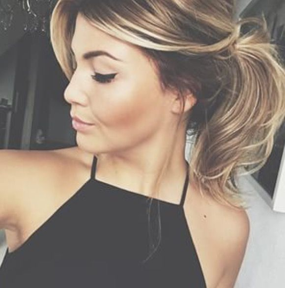 blond highlights. This Hair color is gorg