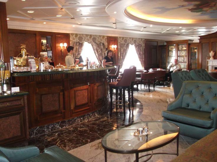 Oceania Cruises - Nautica bar