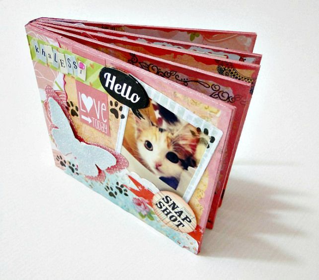 Tutorial paso a paso de cómo hacer éste álbum Polaroid: http://cinderellatmidnight.com/2013/11/07/hoy-es-jueves-de-tutorial-album-de-fotos-polaroid-paso-a-paso/