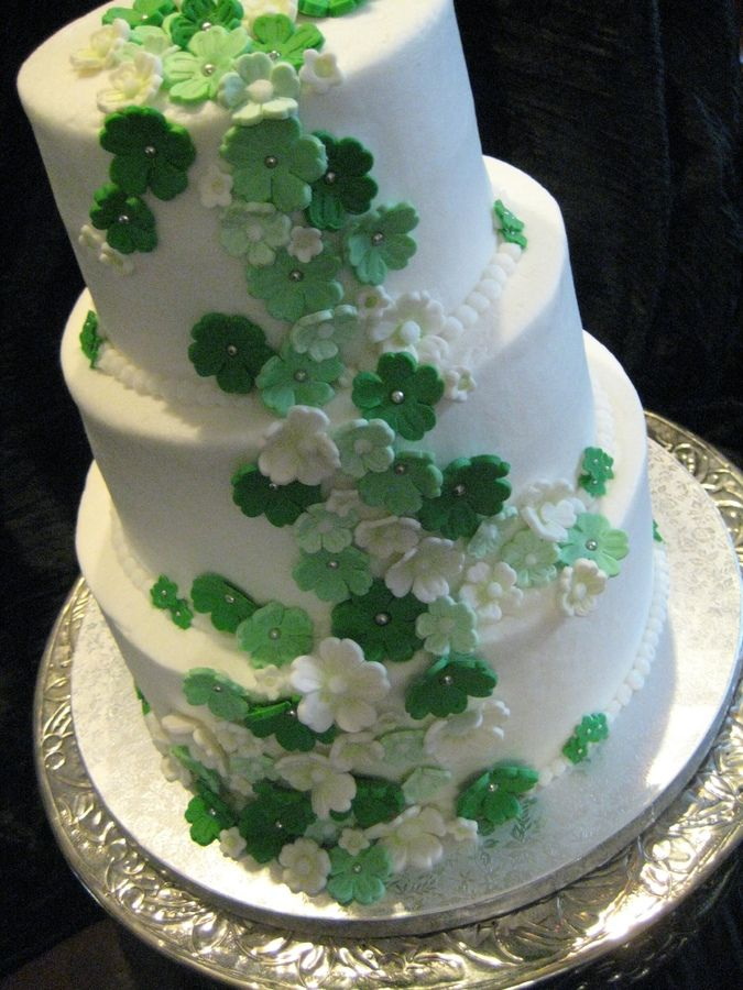 IRISH WEDDING CAKE | kelly green butter cream frosted with sugar paste flowers made to the ...