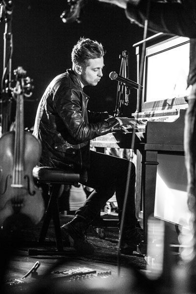 Ryan Tedder piano. <3 #OneRepublic