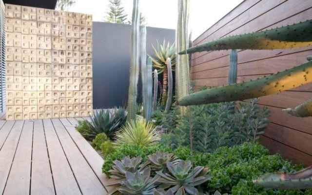 urbaner zen-garten boden-verlegen mit holzdielen-textur wand-design