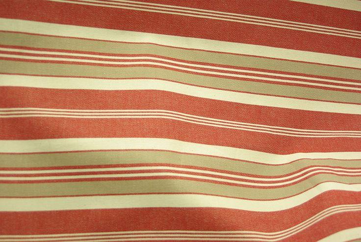 Toile à matelas en 2m80, coton, disponible au rayon ameublement de votre magasin Ellen Décoration.