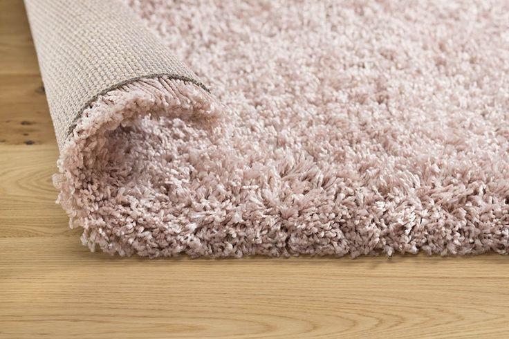 Supreme Shaggy Rose - Różowy - 140 x 200 | Dywany | Produkty | KOMFORT - Sieć sklepów z panelami, dywanami, podłogami drewnianymi, wykładzinami i akcesoriami