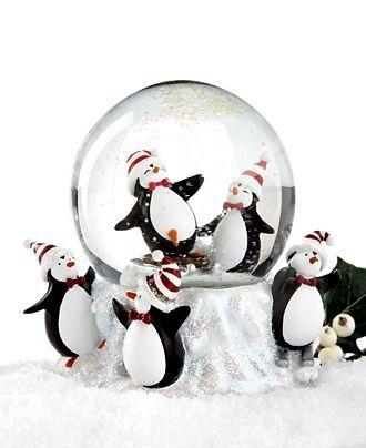 Ohhhh Penguin Snow Globe!
