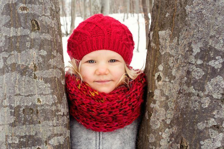 winter family time, winter kids, winter family photos, winter photo shooting, winter photos with kids, kids of winter, family photos, winter blonde girl, winter girl in snow, red hat winter girl