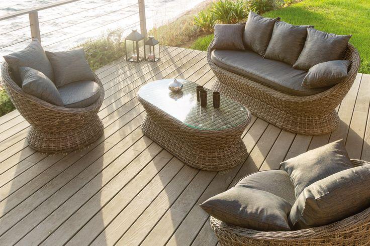 #Hesperide - Salon Cocoa - Avec son design arrondi et ses couleurs naturelles, le salon Cocoa créera une ambiance cosy sur votre terrasse. Cet ensemble au charme discret ravira vos convives par son confort et son aspect chaleureux. Installez-vous dans ses coussins moelleux pour apprécier des moments de détente. => http://www.hesperide.com/salon-de-jardin/salon-de-jardin/salon-4-5-places/salon-cocoa-gris/67083/n15/d0/s/p/c/b/e.html