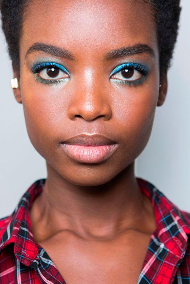 DIANE VON FÜRSTENBERG | Fashion Eyeliner 2016 | Confesiones de una Casual girl | #fashion #beauty #trends #makeup #eyeliner #runway #maquillaje #moda #belleza #tendencias #pasarelas #blog