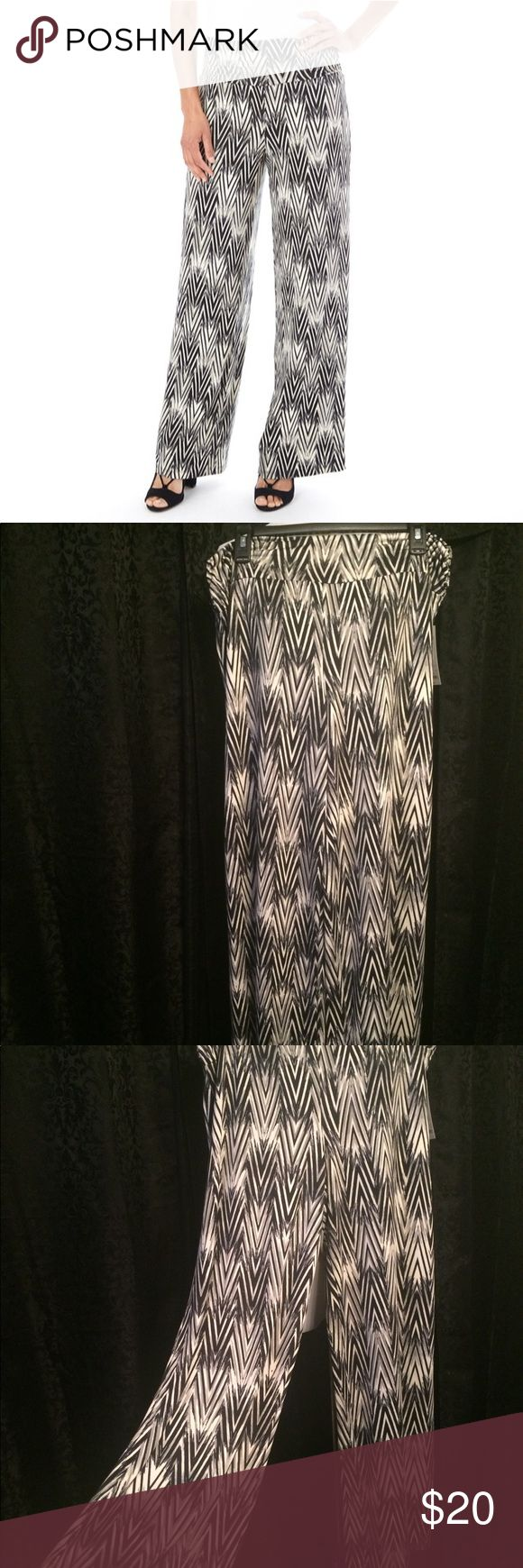 🎉just listed🆕🔘Palazzo b&w chevron pants🔘🆕 🆕🔘Palazzo black & white chevron pants🔘🆕. Size XL. Mid rise. Wide leg. Elastic waistband. Chevron design in black & white (& what appears to be gray in between). Apt. 9 Pants Wide Leg