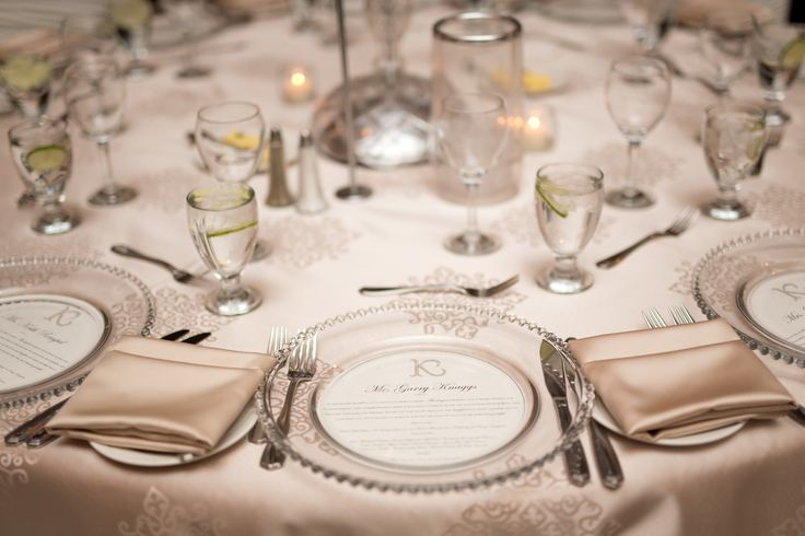 Champagne Table Linens, Glass Charger Plates, Menu Thank-You Placecards Photo: @amarie_photo ||