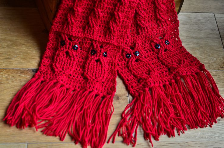 Owl Cabled Scarf, free pattern by Aimee Cunningham. Includes link to video tutorial for cabling on website.  #crochet