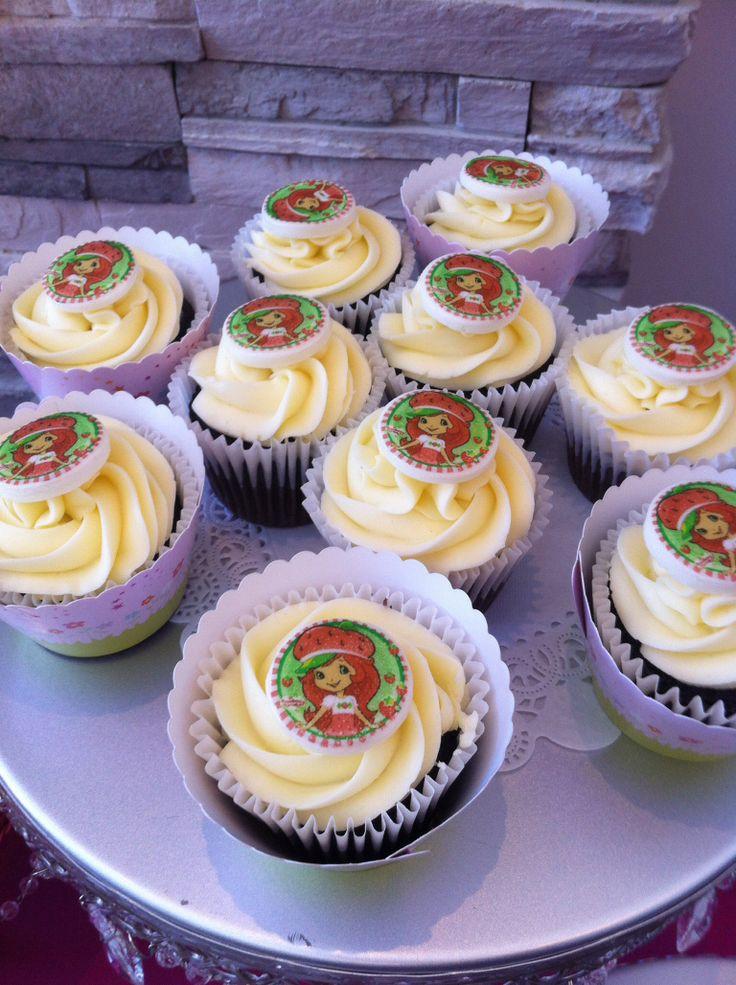 Strawberry shortcake cupcakes -all edible fondant