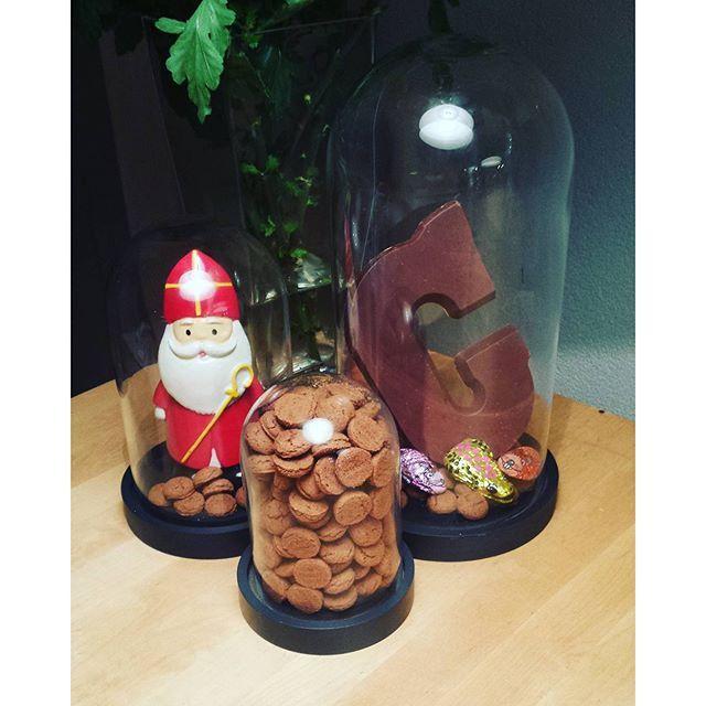 Maak je huis Sint proof met chocolade, pepernoten en HEMA-stolp. Bedankt voor je…
