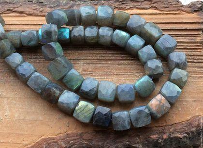 Лабрадор кубик огранка бусины камни для украшений. Handmade.