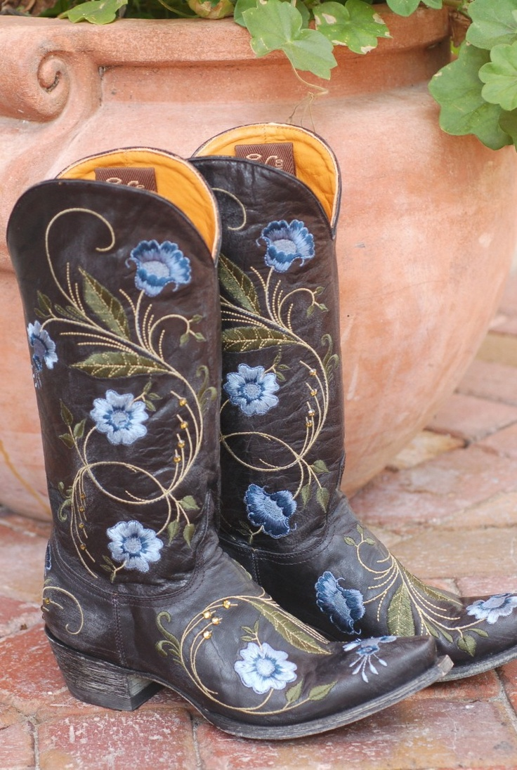 Old Gringo Boots at Zoey Willow Chic Western Boutique