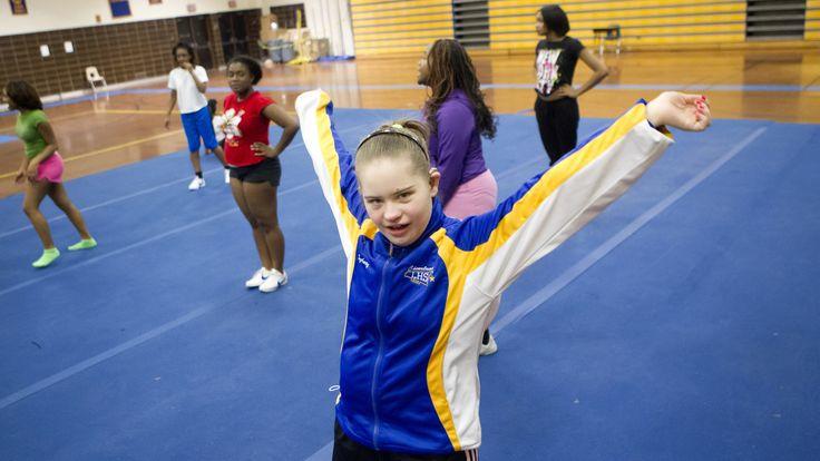 Link2....Laurel High School Cheerleader Erin McLaughlin